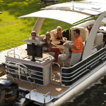Pontoon Boats Buying Guide by Brand, Manufacturer and Boat Model