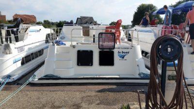 leboat charter boat