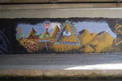 graffitti canal bridge