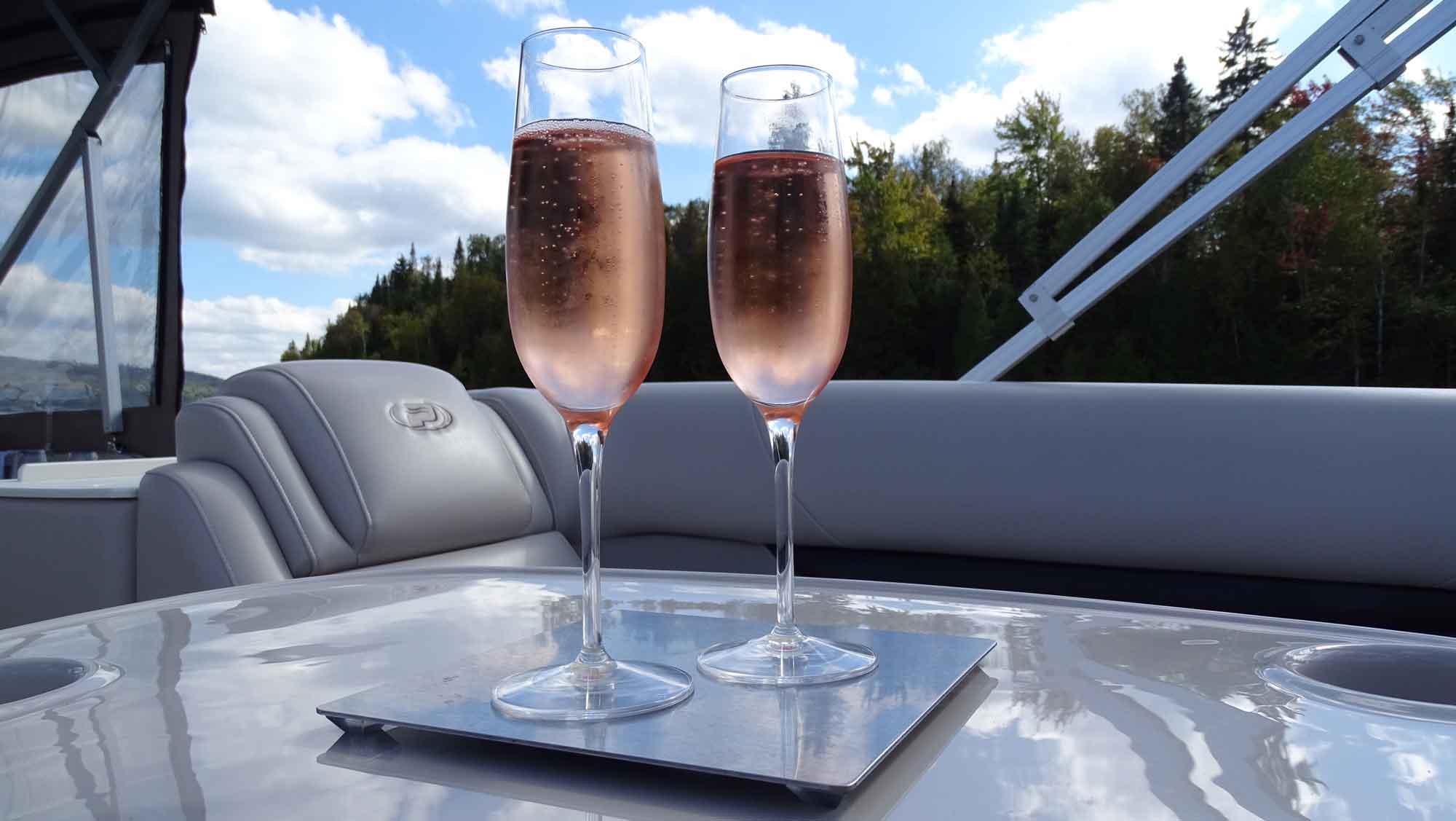 anti-spill-champagne-glass