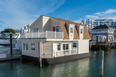 floating house houseboat