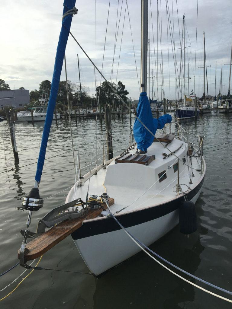 sailboat liveaboard
