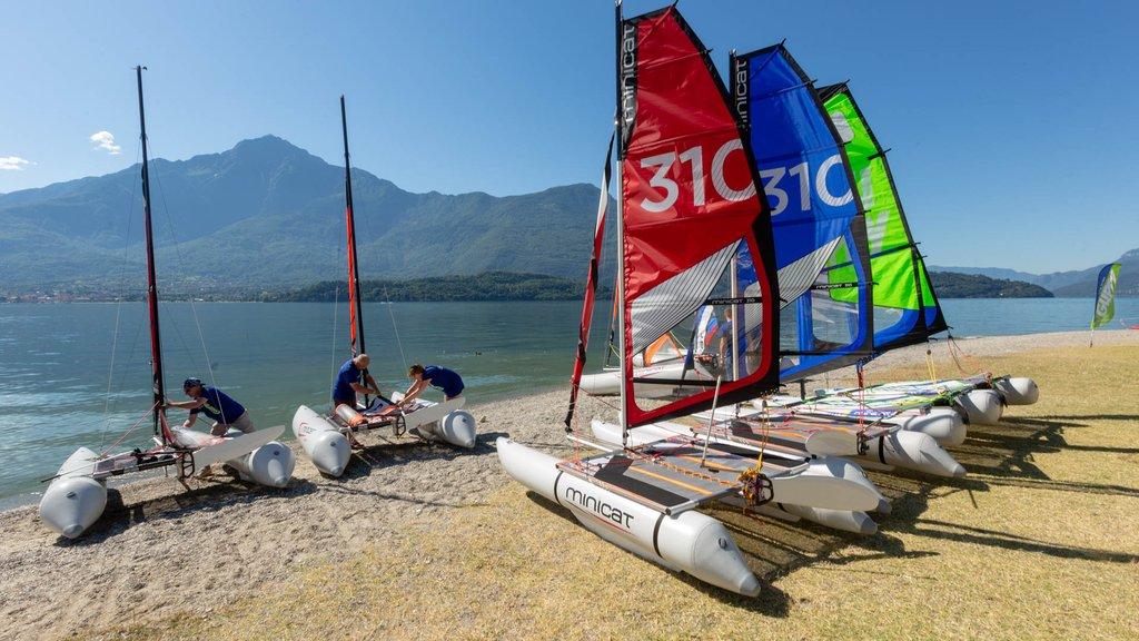 Minicat-sailboats