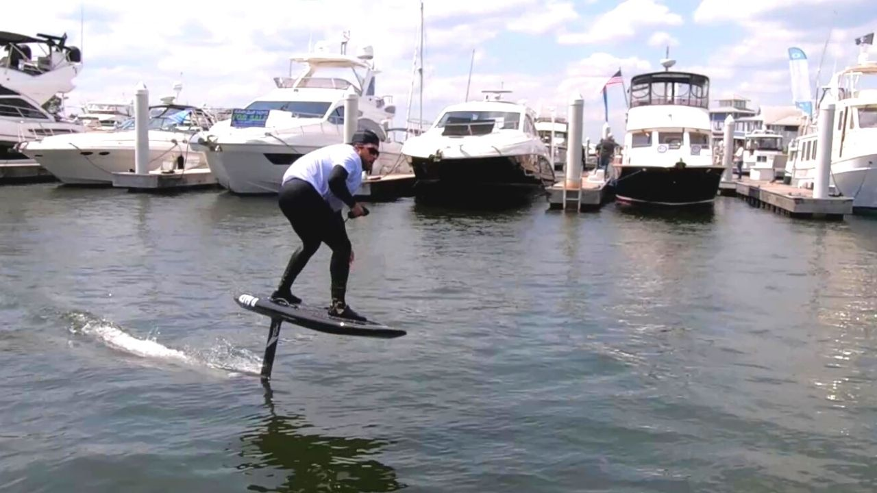 hydrofoil surfing
